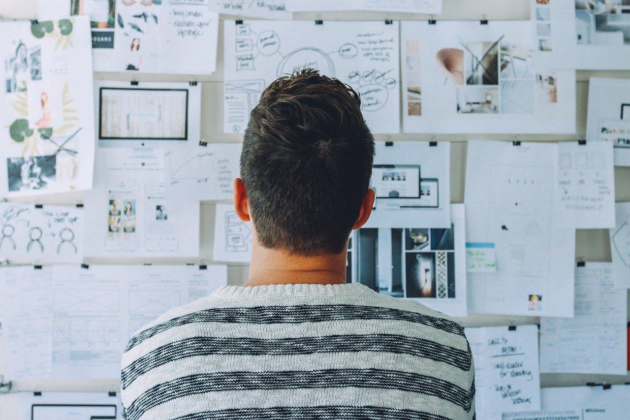 Autoentrepreneur devant un projet