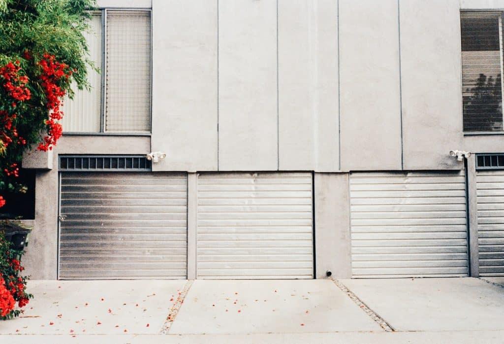 Garage extérieur sécurisé