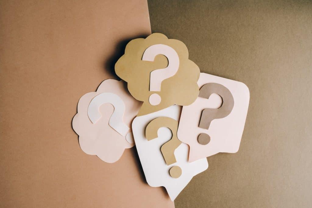 Points d'interrogation pour exprimer une question